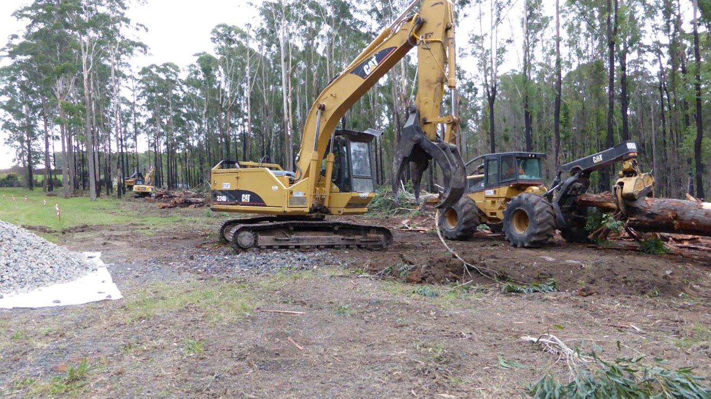 320D-Excavator-and-Skidder